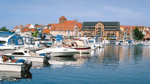 Boote im Hafen von Waren (Müritz), Mecklenburgische Seenplatte